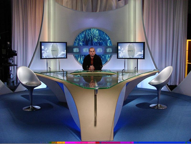 Plateau Tele : Plateau télé khalifa tv thierry bourdin